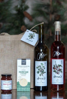 Reif Winery Drea's Holiday Gift Pack