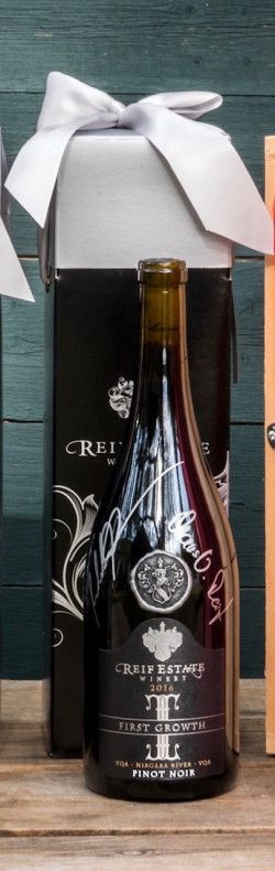 Reif Winery Pinot Noir First Growth signed bottle with gift box